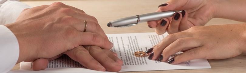 Tư vấn các tài liệu cần chuẩn bị khi yêu cầu tòa giải quyết ly hôn